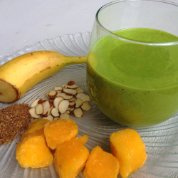 Kale Mango Breeze Smoothie