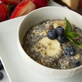 Banana and blueberry chia pudding 280x280