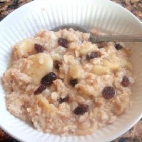 Fruit sweetened microwave oatmeal 280x280