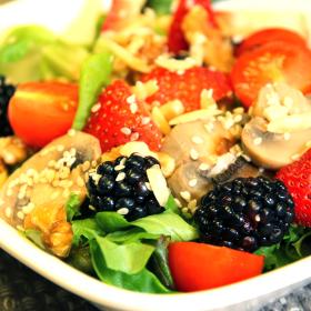 Hfn signature salad 280x280
